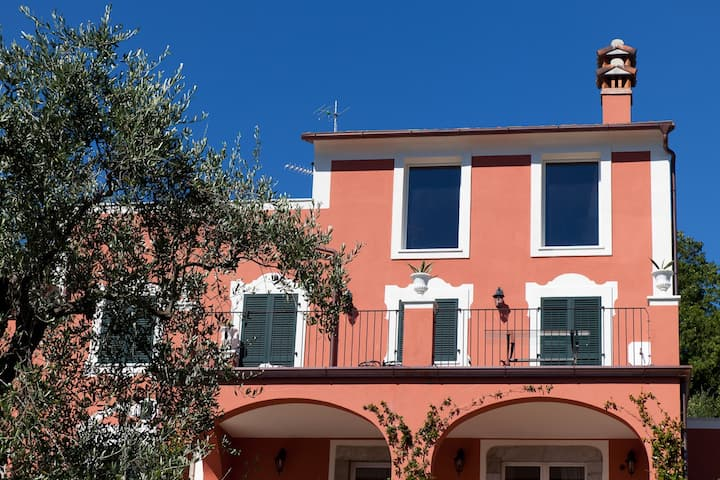 Tramonti apartment, in the Cinque Terre Park