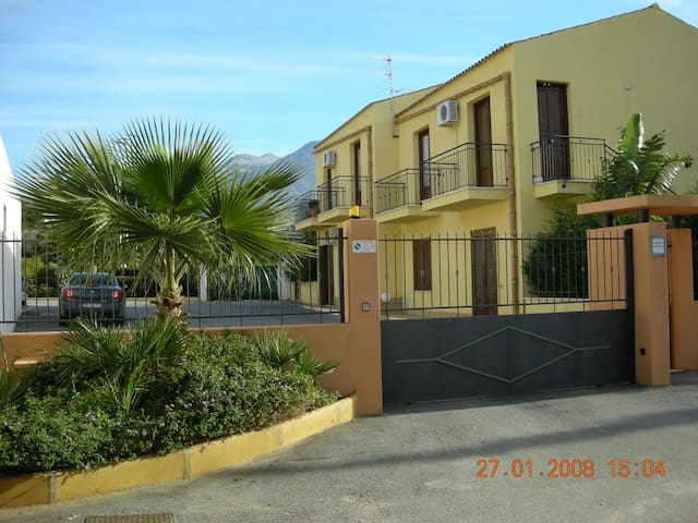"""Appartamento in residence """"Verde Mare"""" Castelluzzo"""