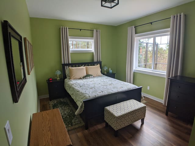 Your spacious and private bedroom with mountain views