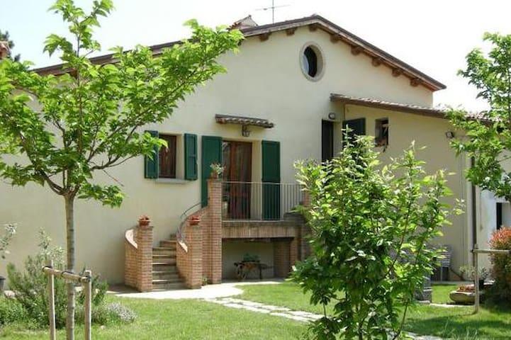 Appartamento con piscina a Brisighella - Villa Vezzano - Apartmen