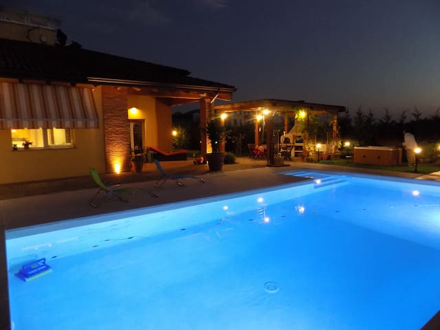 Villa in Parma with swimming pool & Spa - Parma