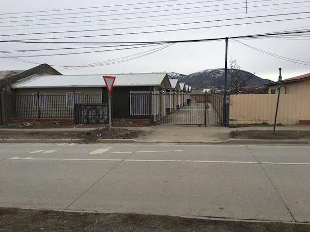 ALOJAMIENTO HASTA PARA 5 PERSONAS - Puerto Natales - Casa