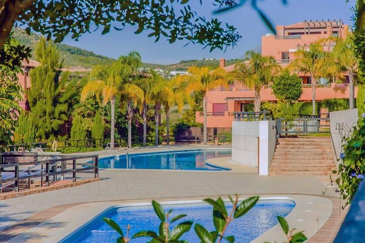 Espectacular apartamento en Casares Costa Golf.