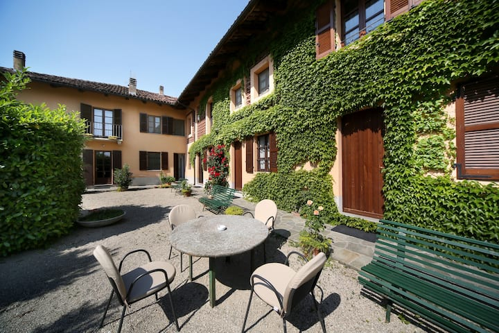 Cascina delle Rose NEW 2 bedroom apart. with view