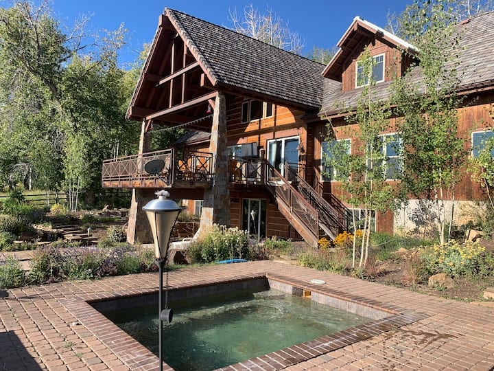 One of a Kind, Perfect Mountain Retreat