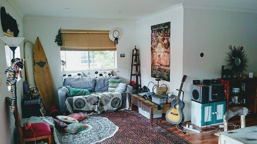 Masterbedroom with own bath & balcony - Dee Why - Casa