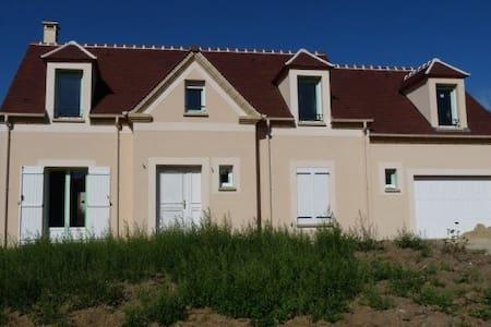 Maison récente - Luzarches - Huis