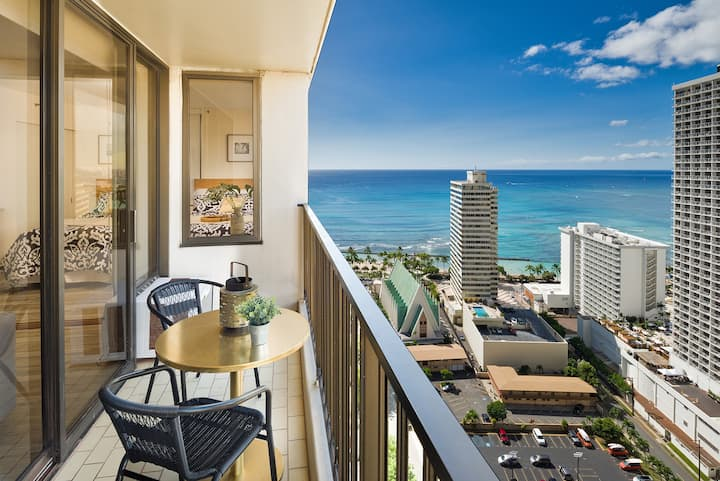 Gorgeous Ocean View 1bd  Waikiki Banyan #3114 T-1