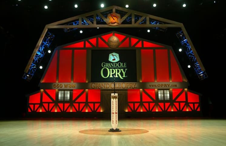 15 minutes from historic Grand Ole Opry and Opry Mills Mall!