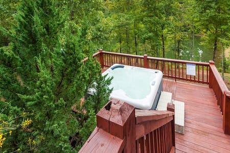 Mountain Lake Lodge - Ellijay - House