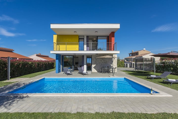 Modern Villa in Dracevac with Swimming Pool