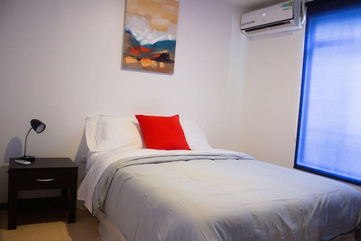 Private apt 1bed/1bath 15mns from beaches Komuna#4