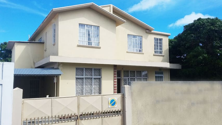 4 Lane 1 Bed and Breakfast - Beau Bassin-Rose Hill - Pousada