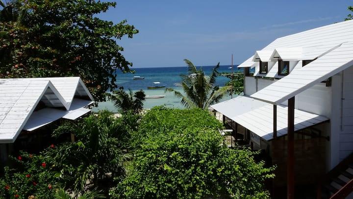 ThresherShack Beachfront Guesthouse - Seaview Room