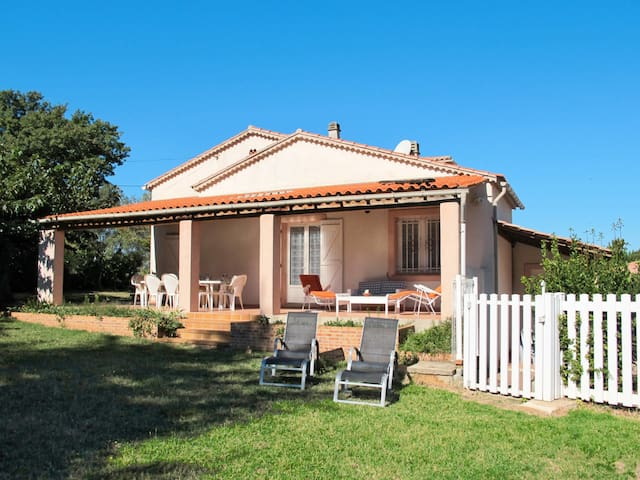 Holiday home in Gonfaron for 8 persons