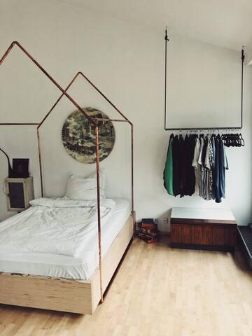 Ruhiges Zimmer in traumhaftem Loft