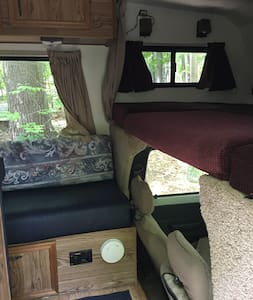 Cozy 22' Toyota RV 15 minutes from the Race Track - Greenfield Center