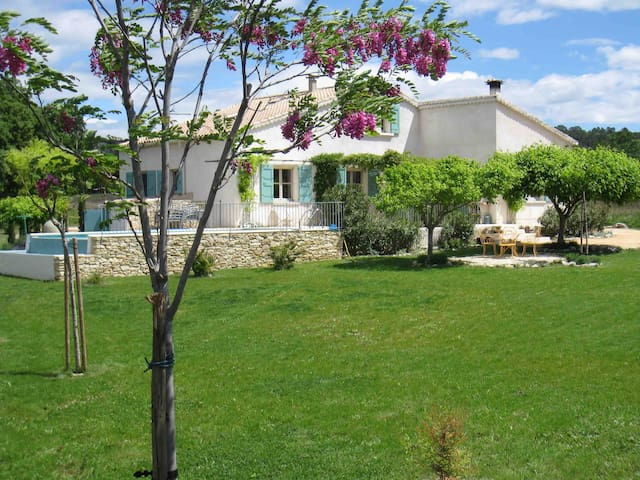 Beautiful villa in natural environment - 8km Uzès