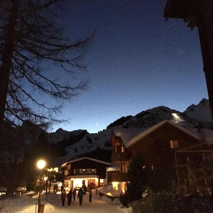 Mürren by Night