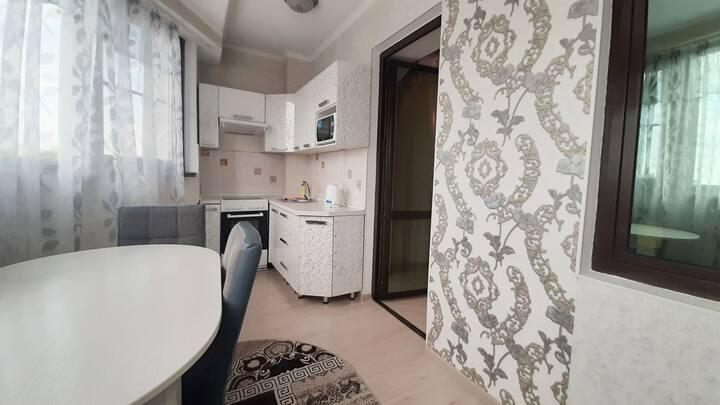 2х комнатная квартира на Жарокова 137