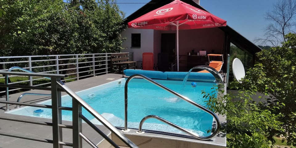 Swimming Pool House Slatina Spa
