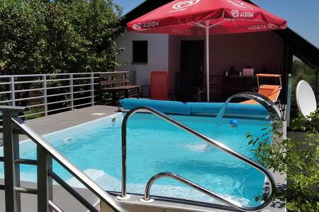 Swimming Pool House Slatina Spa