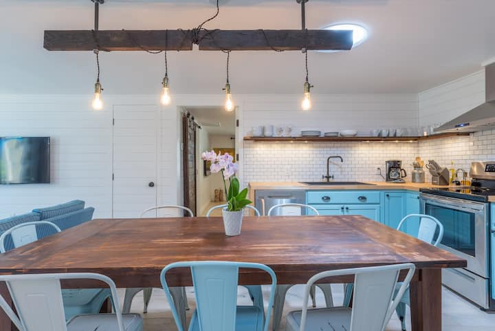 Renovated Farmhouse, Scandinavian Inspired - 3 bed