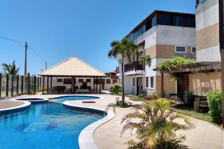 Casa Triplex em Genipabu (beira mar) Condomínio.