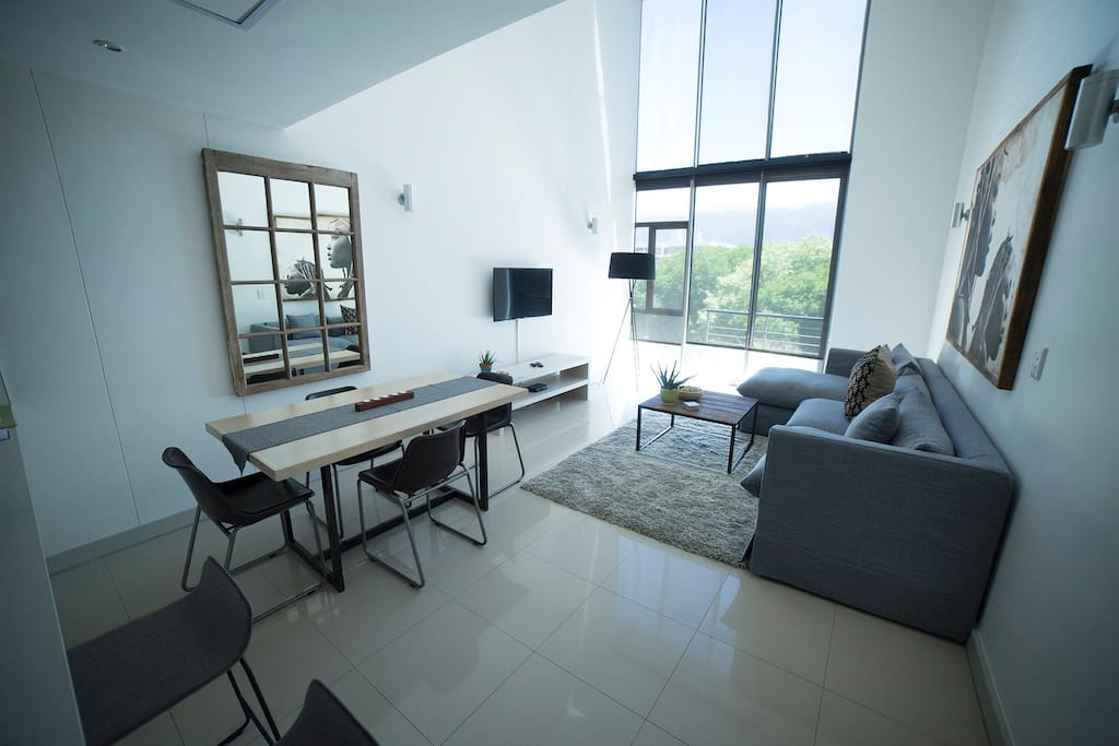 Large space, open plan lounge dinning room.