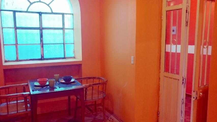 Departamento confortable en casa colonial