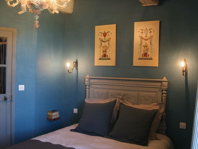 Chambre Bleu Persan-Double room-Ensuite with Shower-River view