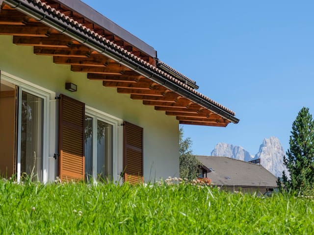 Dolomiti, mountain view apartment in Val di Fiemme