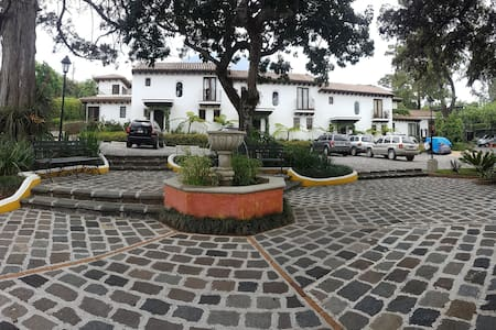 Casa en Condominio Paseo del Obispo, Antigua GT