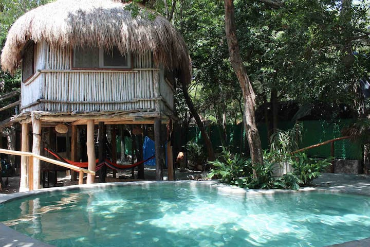 Casita Kuxtal / Tree House with pool! Cabin 1