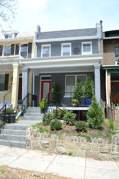 A classic DC row-home on a quiet street but not far from the hustle and bustle of city life. Bloomingdale bars/restaurants are just a few blocks away. Bus, Capitol bikeshare, and Metro close by.