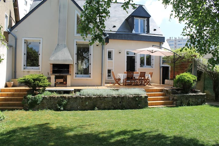 Rent house for Le Mans 24h