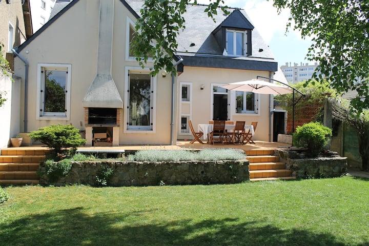 Rent house for Le Mans 24h