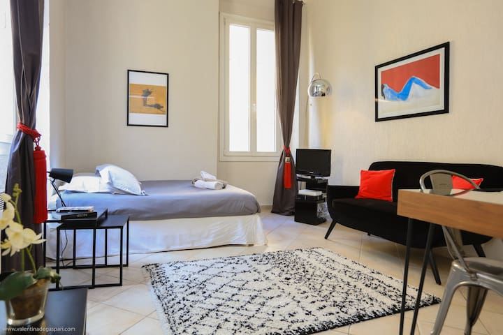 Charming 1bd flat in the heart of the vieux Nice