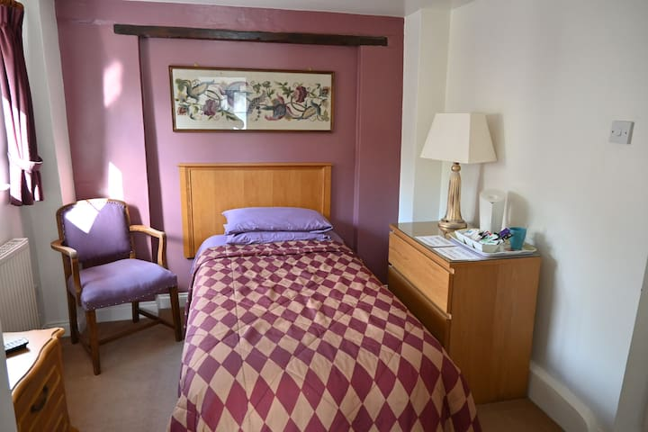 Single Room with Ensuite - The Anglers Retreat