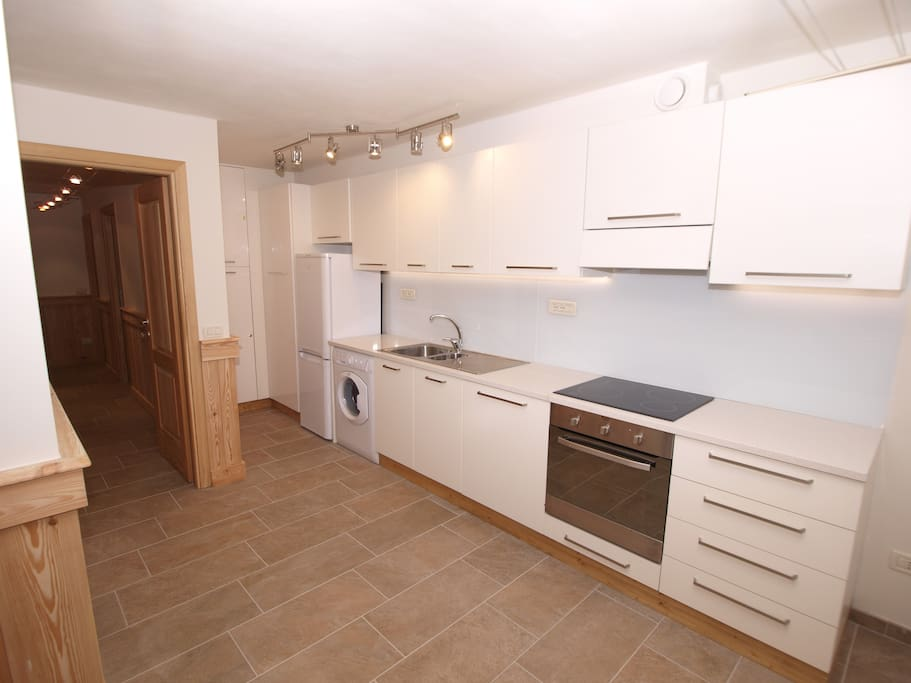 Fully equiped  kitchen with granite worktop