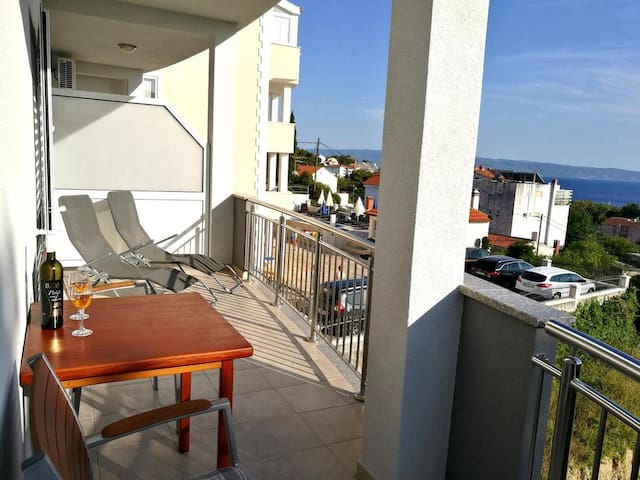 Studio flat with terrace and sea view Podstrana (Split) (AS-6072-a)