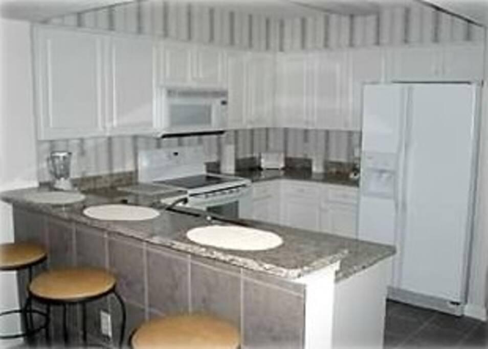 Full amenity kitchen