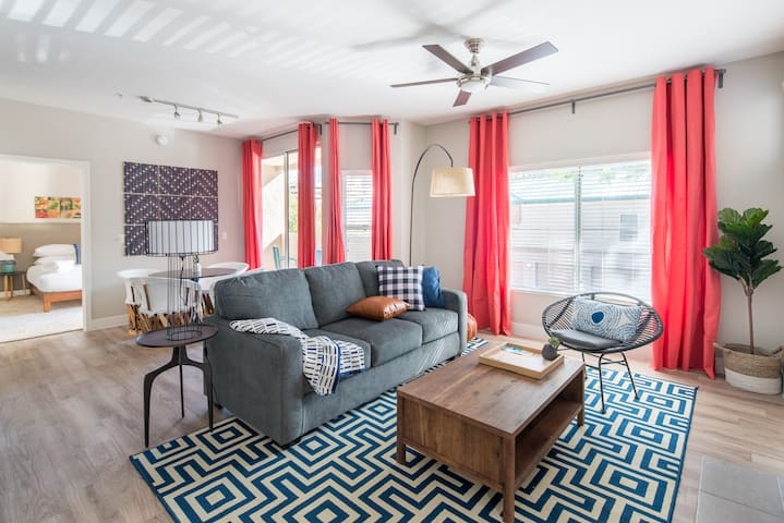 WanderJaunt | Sawyer | 2BR | Downtown Phoenix