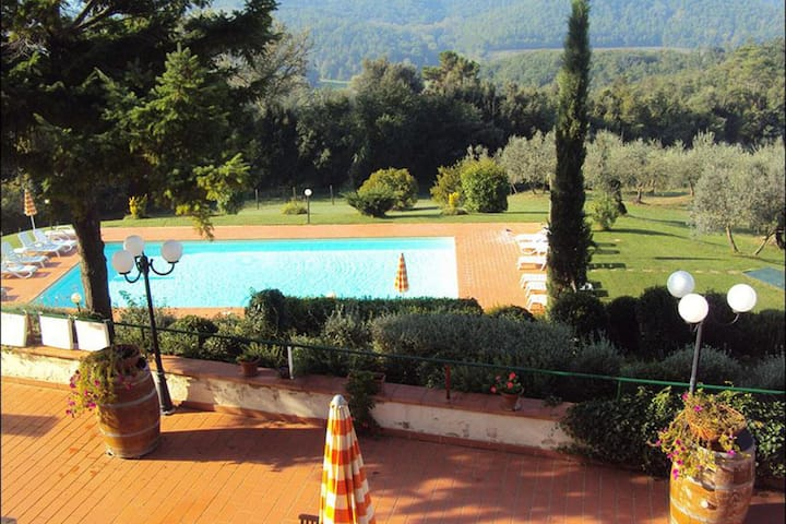 Cozy Apartment in Coiano - Castelfiorentino with Swimming Pool