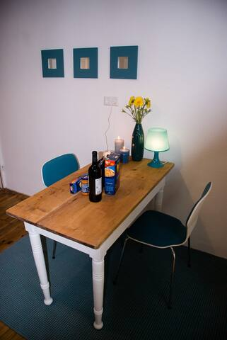 8 Person, dla 8 pracownikuw, great internet ;) - Kaiserslautern - House