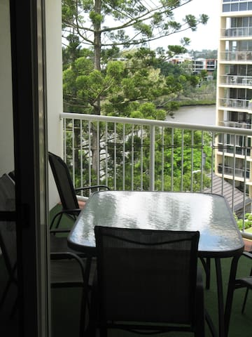 3 Bedroom Apartment - Auchenflower - Apartment