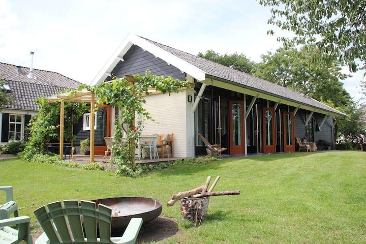 Fantastisch vakantiehuis Betuwe tennisbaan & sauna
