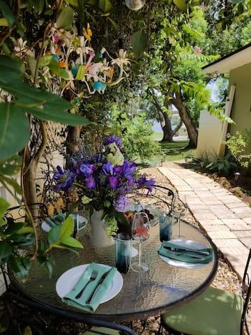 The Secret Garden Apartment