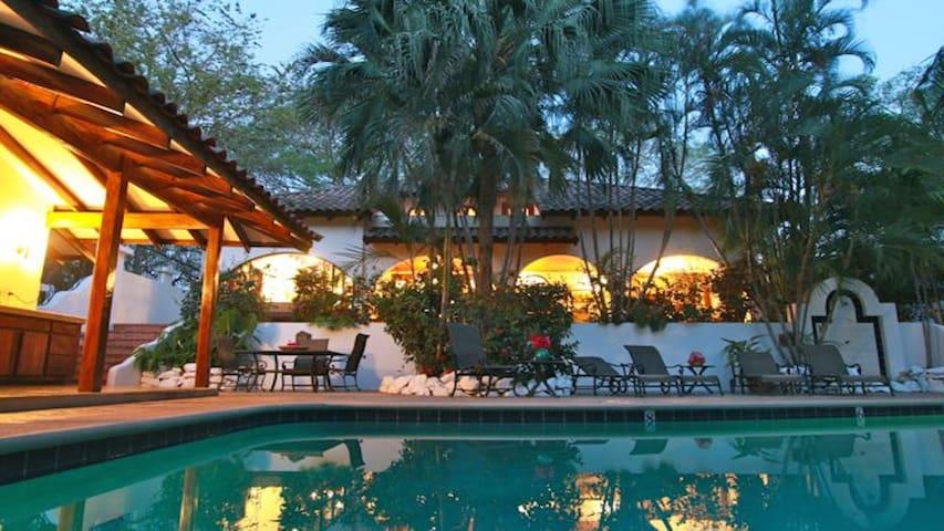 Two Story Villa, Tamarindo