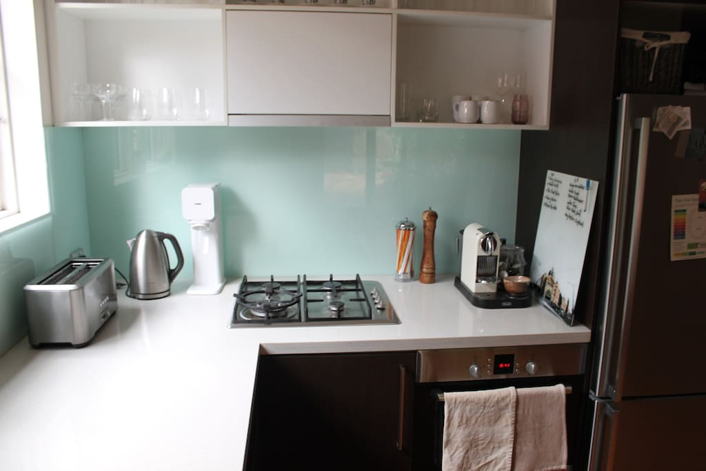 Complete kitchen with coffee machine and soda stream